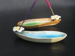 Ceramic GREEN Frangipani, boat shape 13mm