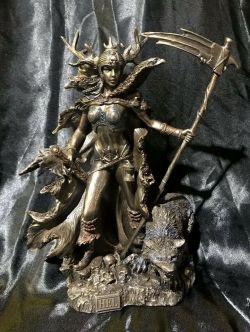 HEL Norse Goddess Statue 26cm Tall