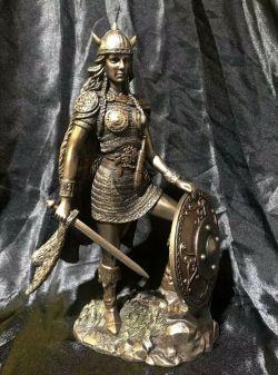 SHIELDMAIDEN Norse Statue  26.5cm Tall